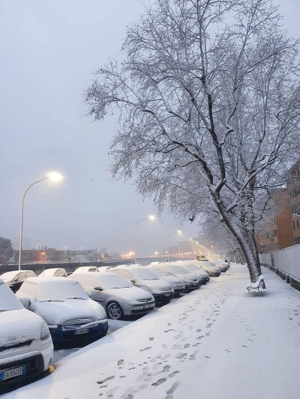 via Emilia, neve