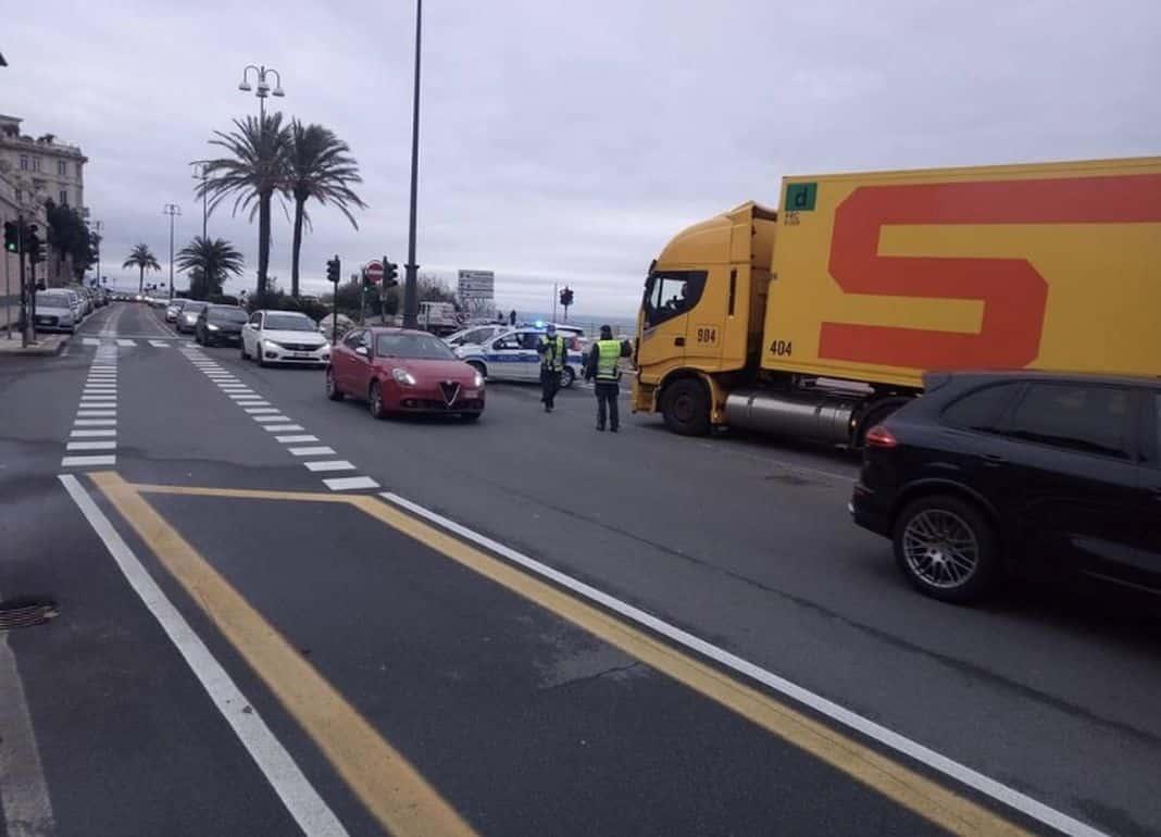 traffico esselunga corso italia