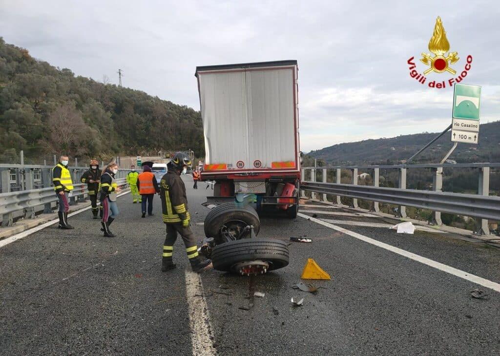incidente autostrada a12