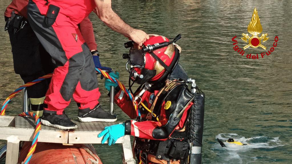 subacquei vigili del fuoco ricerca
