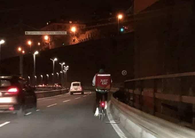 bicicletta sopraelevata Genova