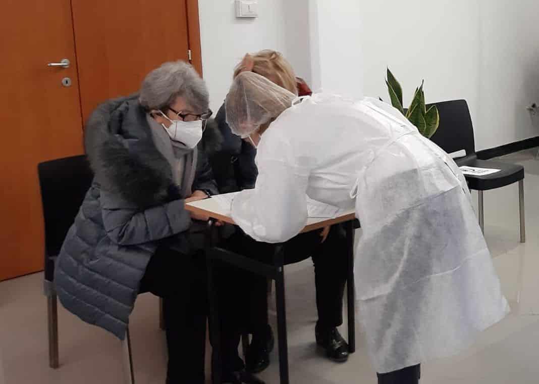 vaccinazioni, via cesarea confcommercio