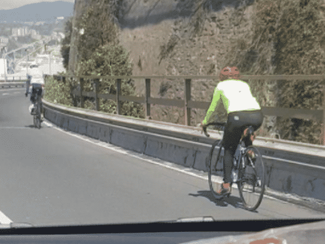 bicicletta sopraelevata