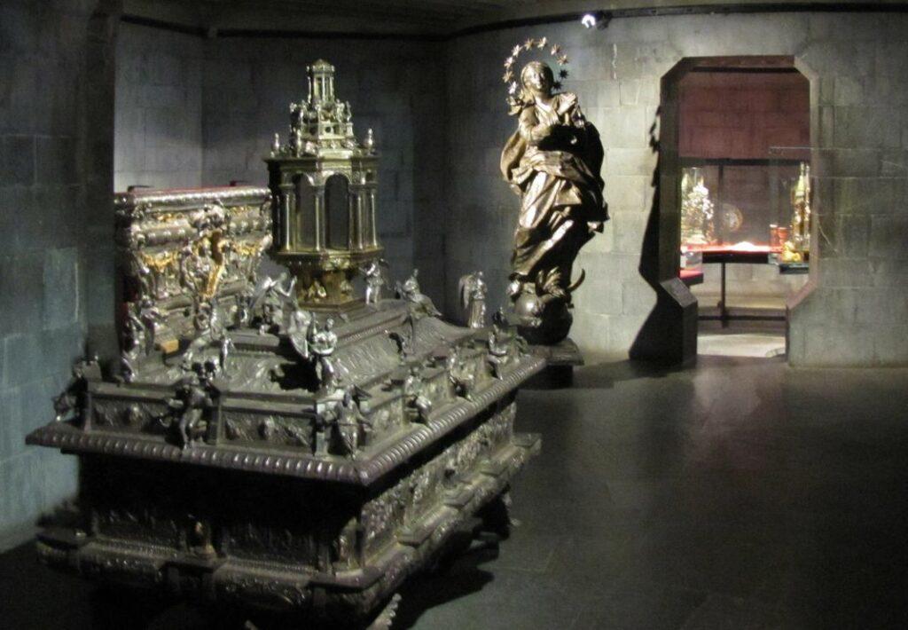 cattedrale san Lorenzo Genova tesoro