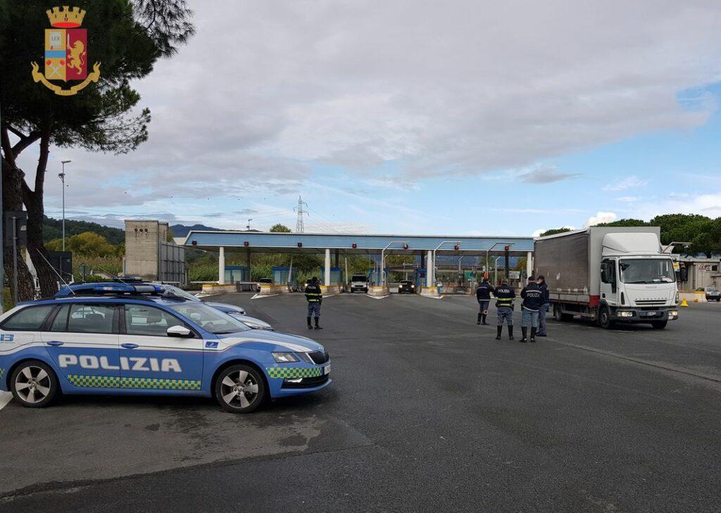 polizia stradale casello Fornola Spezia